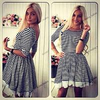 Короткое платье в полосочку с подъюбником с прошвой