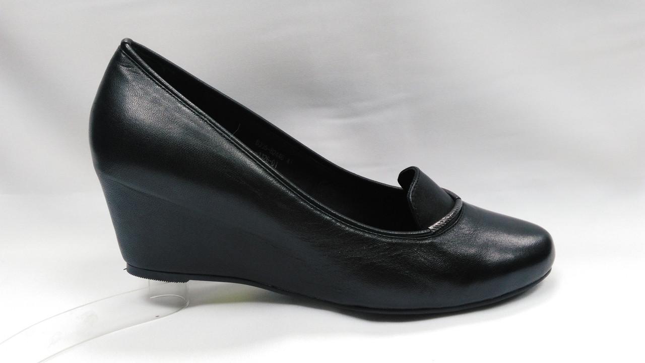 Черные кожаные туфли Erisses на скрытой танкетке,большие размеры