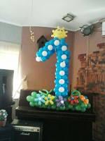 №34 Цифра из воздушных шаров декорированная