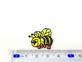Нашивка бджілка