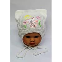 Вязанные шапки на девочку осень весна 44-46 вышивка котик акрил на завязках (цвета в ассортименте)