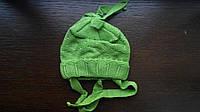 Вязанные шапки на девочку 44-46 см акрил на завязках