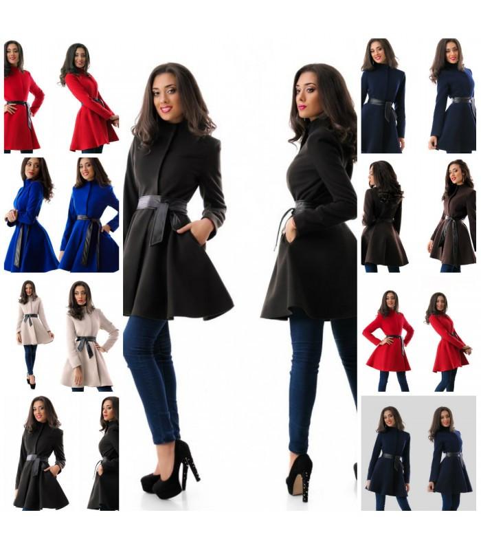 Молодежное женское пальто клеш