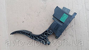Электронная педаль газа Volkswagen Golf 4 1,4. 0 280 752 215.