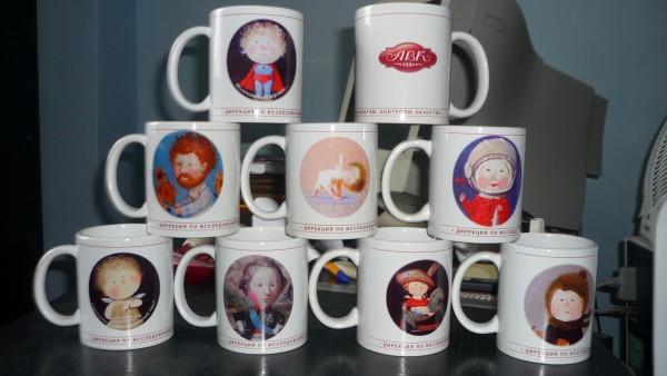Нанесение рисунков на чашках