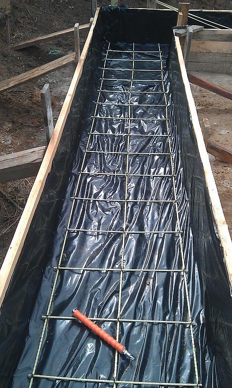 Применение стеклопластиковой арматуры в ленточном фундаменте нулевого уровня.