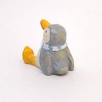 Пингвин в Шарфике Сидит / Фигурка Интерьерная 4x4x3 см