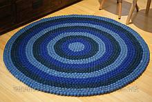 Яркий ковер из валяной шерсти мериноса сине голубого цвета