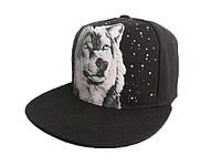 Cветящаяся  черная кепка с изображением волка