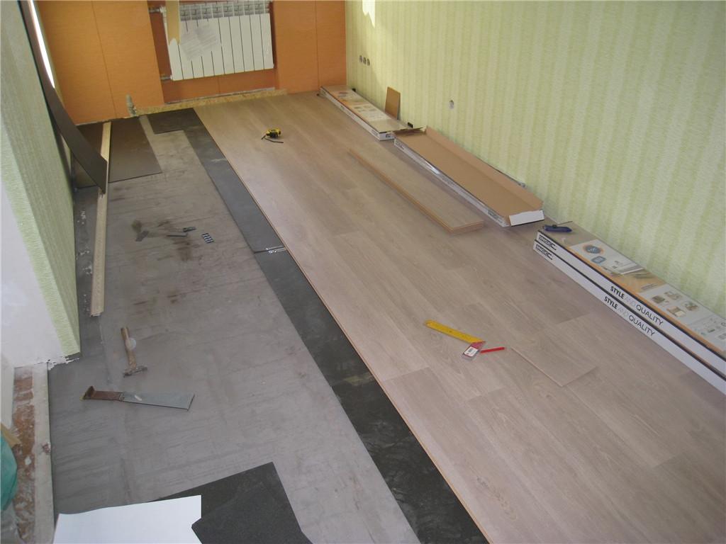 На данном объекте использовалась подложка под ламинат производства польского концерна Decora - Fix Prix толщиной 3 мм
