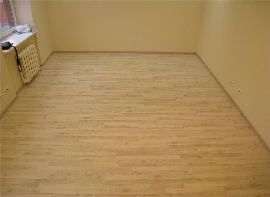 Ламинат Loc Floor Basic LCF 054 Ясень Натуральный трехполосный, Днепропетровск, офис в Новом Центре