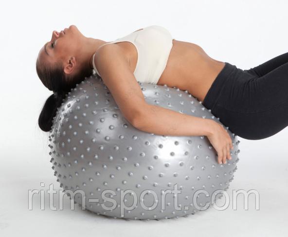 Мяч покрыт по всей поверхности специальными массажными шипами, занятия на таком мяче улучшают кровоток, увеличивают эффект от выполняемых упражнений на 50%.