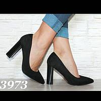 Туфли чёрные на толстом каблуке