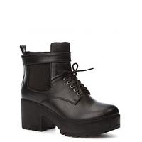 Стильные женские ботинки на шнурках