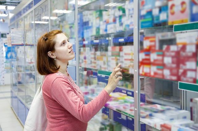 мама в аптеке