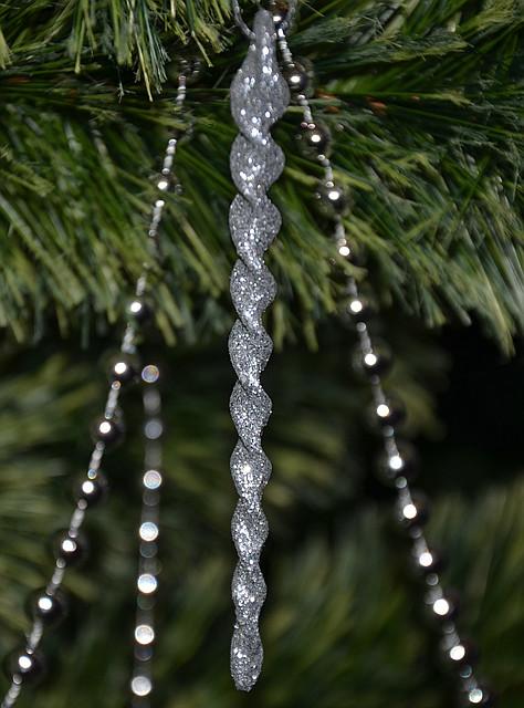 Новогоднее украшение Сосулька серебро 6 шт 0130