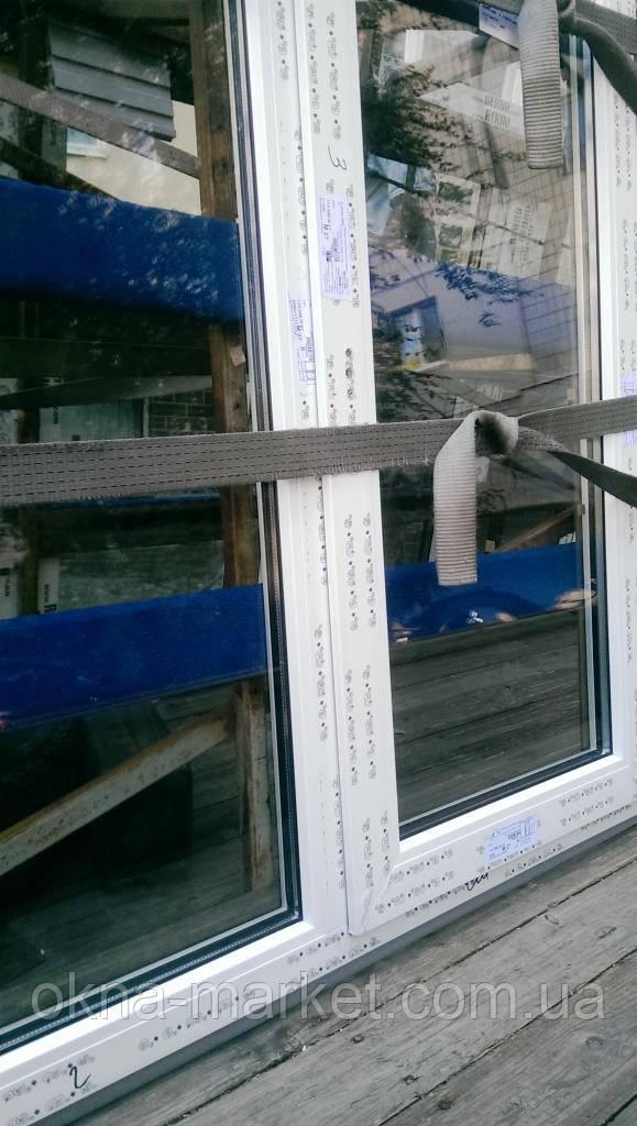 Пластиковое окно с фрамугой Rehau 70 в фирме