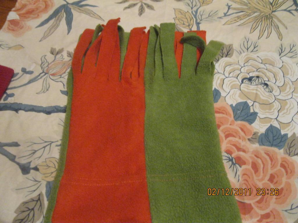 Шапка прикольная зеленая оранжевая флис теплая