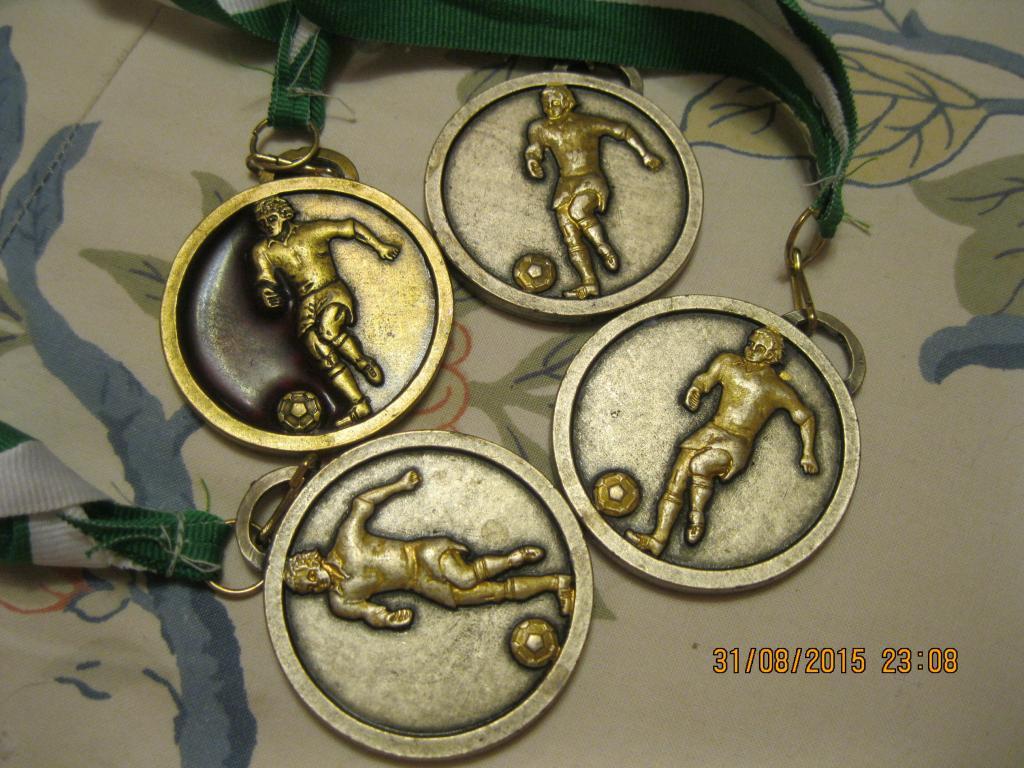 набор =4 шт Медаль металлическая футбол из Британии сувенир  жетон награда