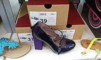 Туфли женская фиолетовые лаковые каблук- замша 38 р устойчивые