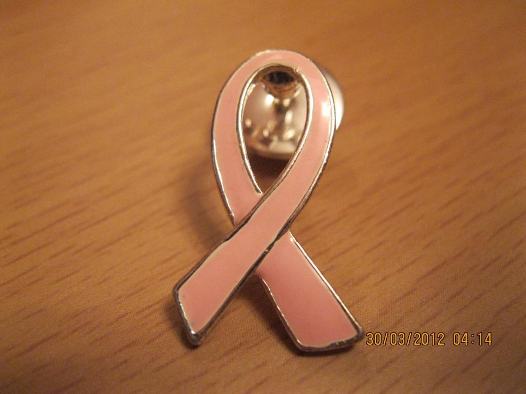 Рожева брошка брошка значок на шпильці металеви