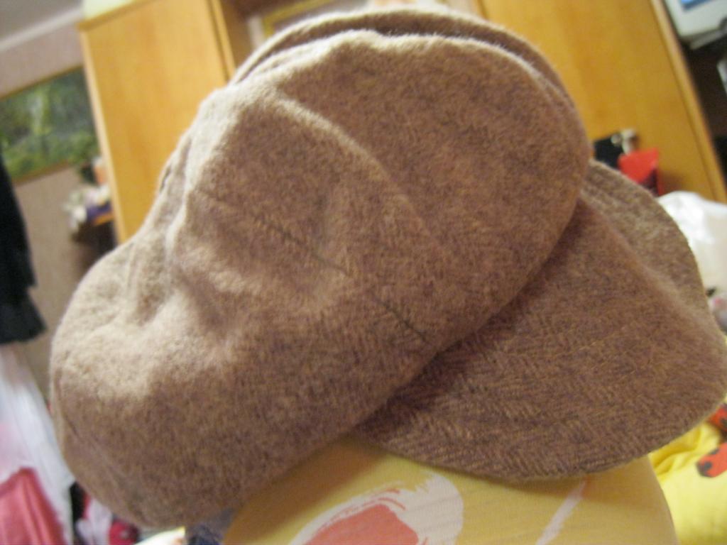 Кепка теплая кофейная шапка 57см шерстяная