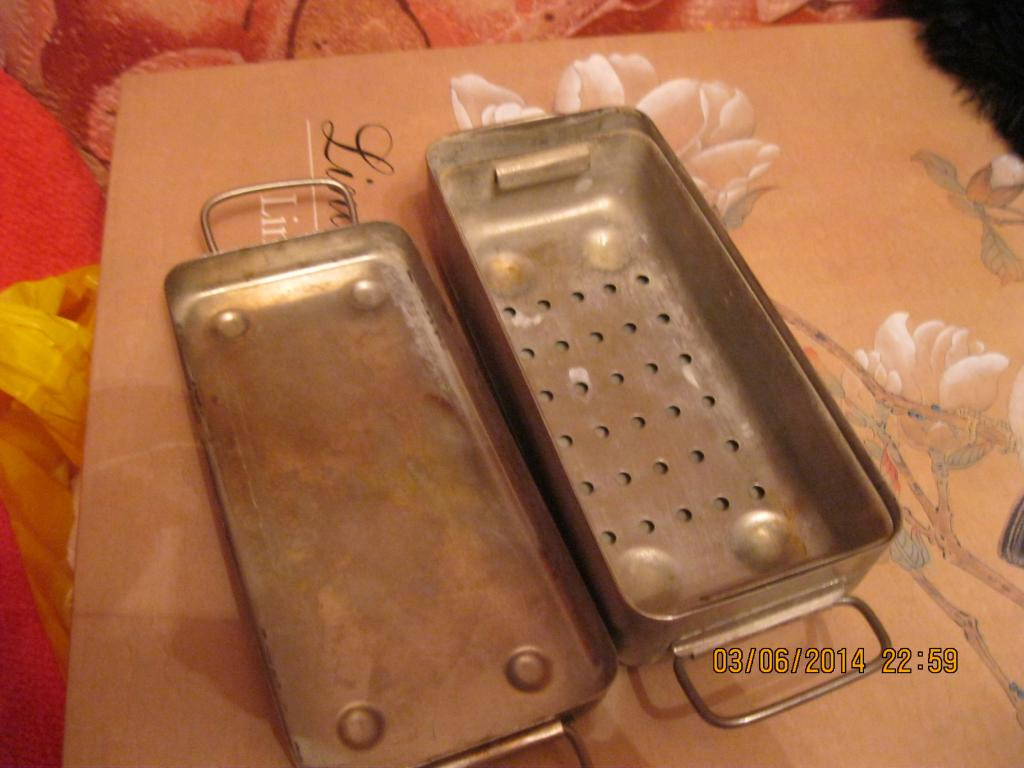 Металл емкость ванная для шприцов СССР старая коробка