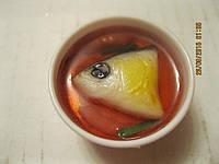 Магнит на холодильник сувенир рыба уха пластик тарелка суп, фото 1