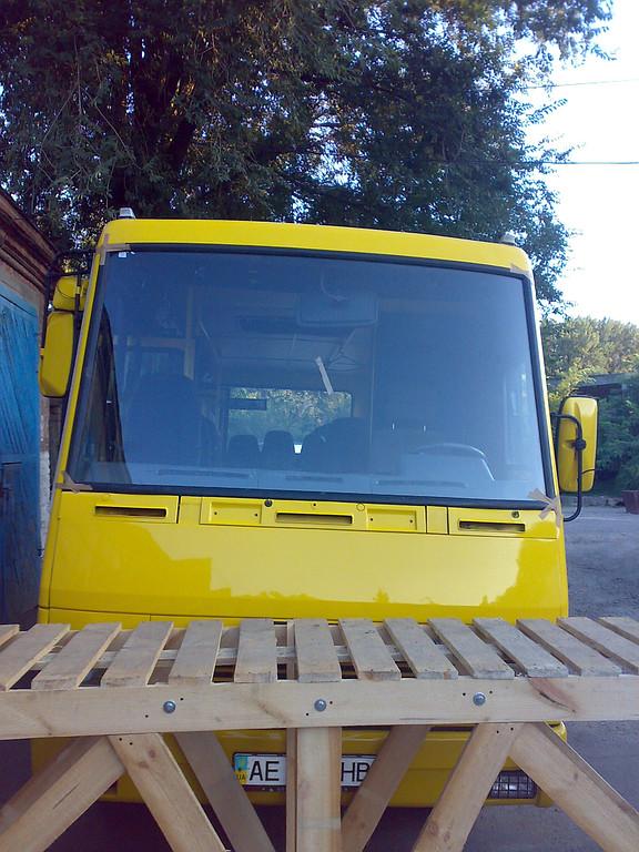 Замена лобового стекла БАЗ Эталон А 79 в Днепропетровске
