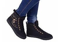 Ботинки женские зимние с заклепками черные