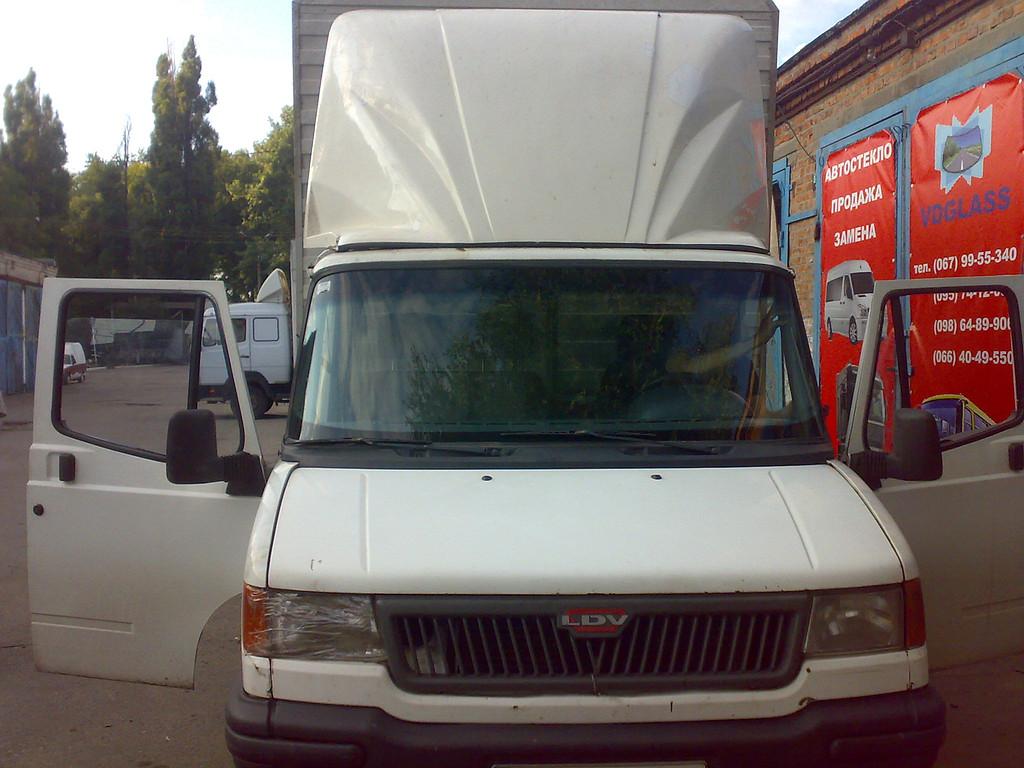 Замена лобового стекла DAF 400, LDV Convoy