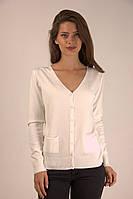 Молодежная женская кофточка белого цвета