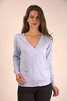 Стильная женская кофточка на пуговичках голубого цвета