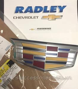 Емблема значок на решітку радіатора Cadillac Escalade, Escalade ESV 2015-17 новий оригінальний