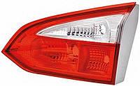 Фонарь крышки багажника правая сторона новый оригинал  для Форд Фокус 3( универсал)