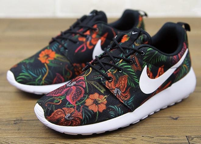Кроссовки женские Nike Roshe Run / RRW-137 (Реплика)