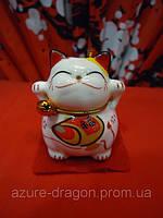 Манэки-нэко статуэтка из белого фарфора для привлечения денег и клиентов разной формы
