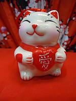 Манэки-нэко маленькая фарфоровая статуэтка для привлечения денег и удачи  разной формы