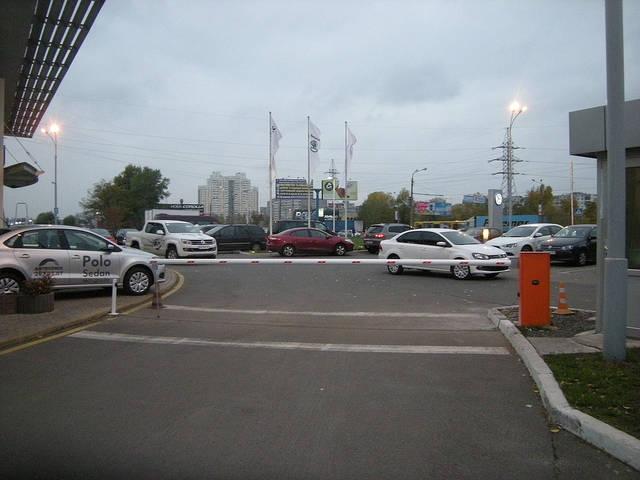 """Организация потока движения автомобилей с помощью шлагбаумов WIL6 (NICE). """"АВТОСОЮЗ"""", Киев"""