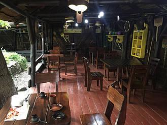 """Деревянная мебель в интерьере ресторана """"ХАТА GRILL"""" по трассе Киев-Житомир 11"""