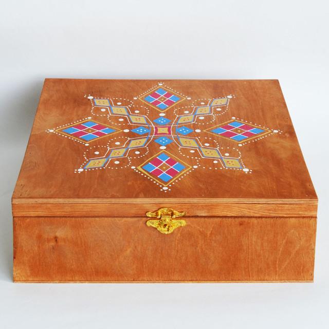 Деревянный расписной сундук 0987555561
