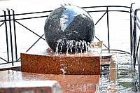Плавающие шары фонтаны из гранита