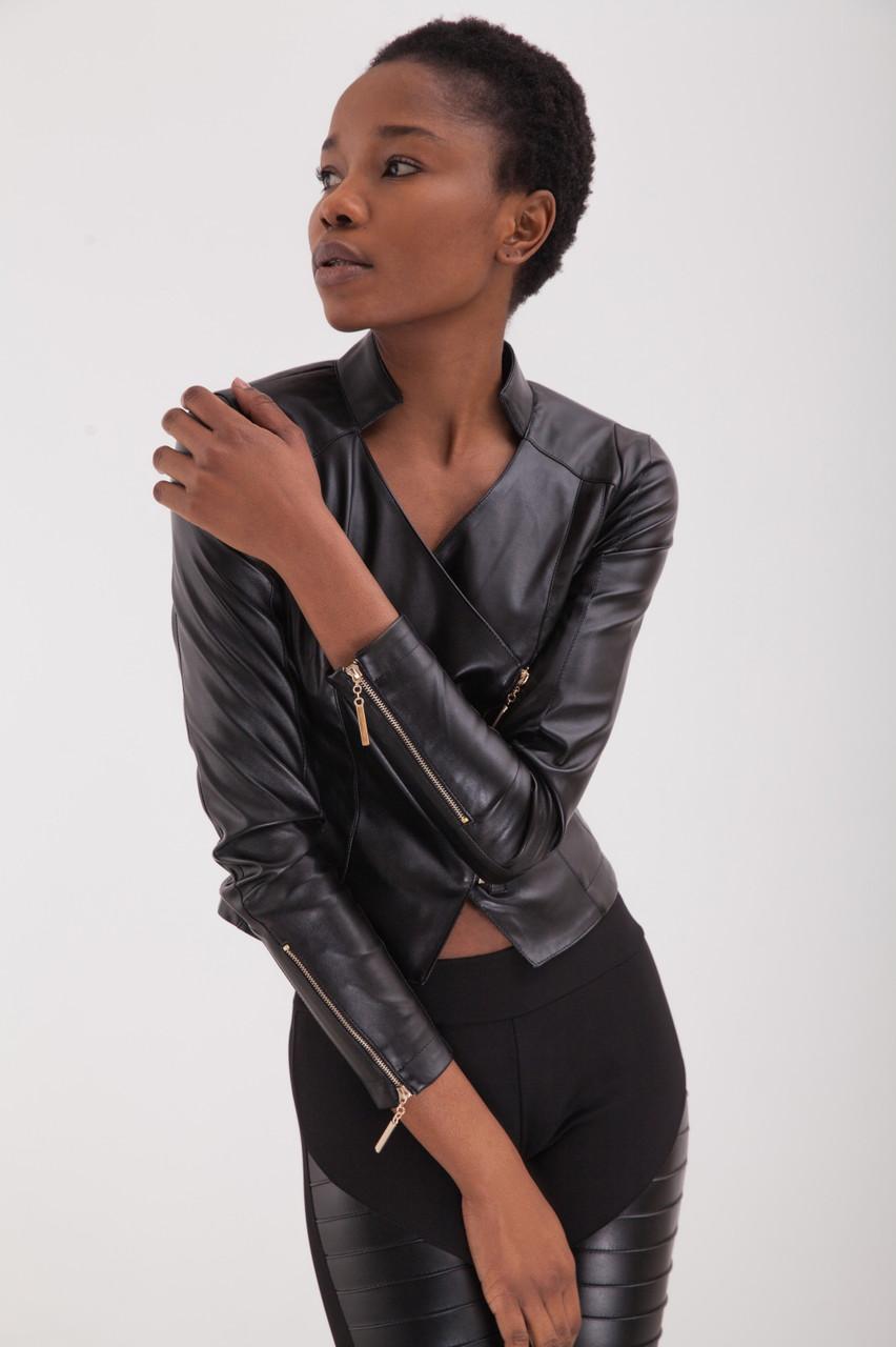 кожаная женская куртка фото