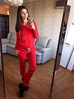 Женский модный костюм: кофта и брюки