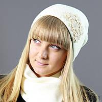 Нежный молочный комплект шапка/шарф