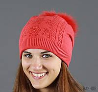 Вязаная шапочка со стразами и бубоном