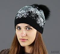 Теплая красивая шапочка