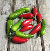 Декоративный перец чили, цвет зеленый, 1 шт., длина 5,5 см., ширина 1,5 см