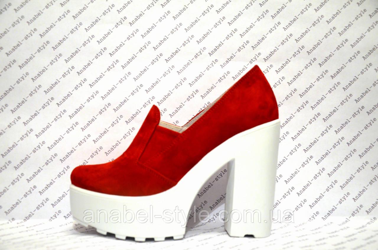 Туфли женские стильные на толстом каблуке замшевые красные