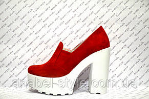 Туфли женские стильные на толстом каблуке замшевые красные, фото 2